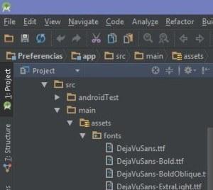 Archivos de fuentes en la carpeta assets/fonts